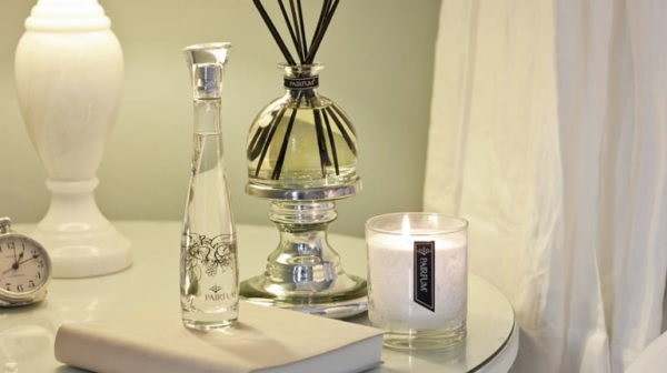PAIRFUM Flacon perfume room spray luxury scented candle and natural reed diffuser in bedroom