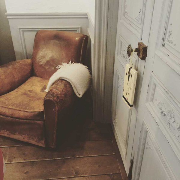 Pairfum Sachet Livingroom Leather Chair Door