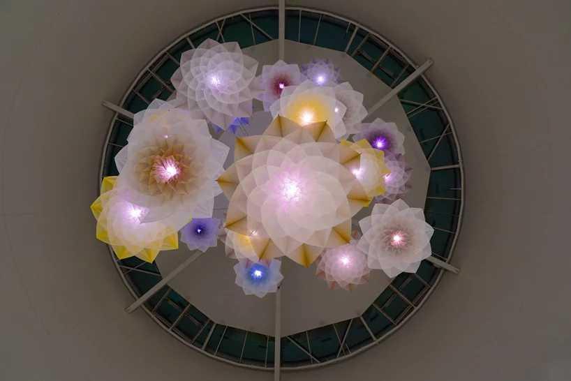 Studio Drift Robot Bouquet Flower Bloom Scent Pairfum London 3