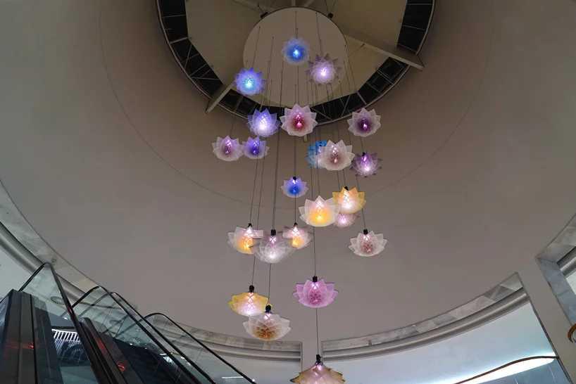 Studio Drift Robot Bouquet Flower Bloom Scent Pairfum London 5