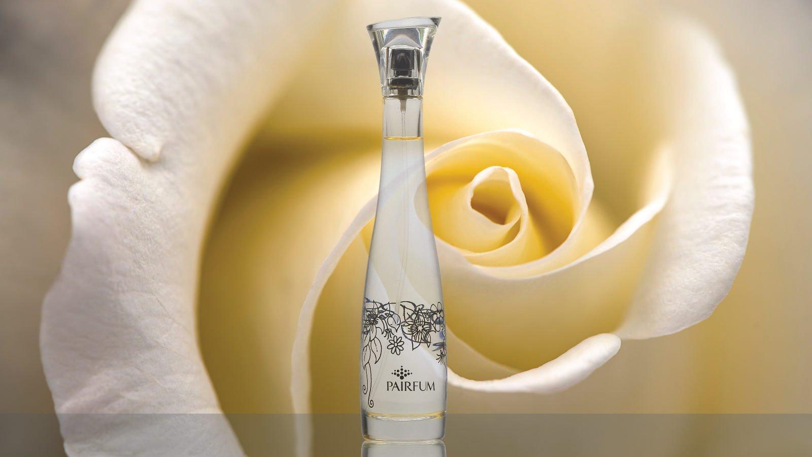 Flacon Room Fragrance Spray Rose White Flower 16 9