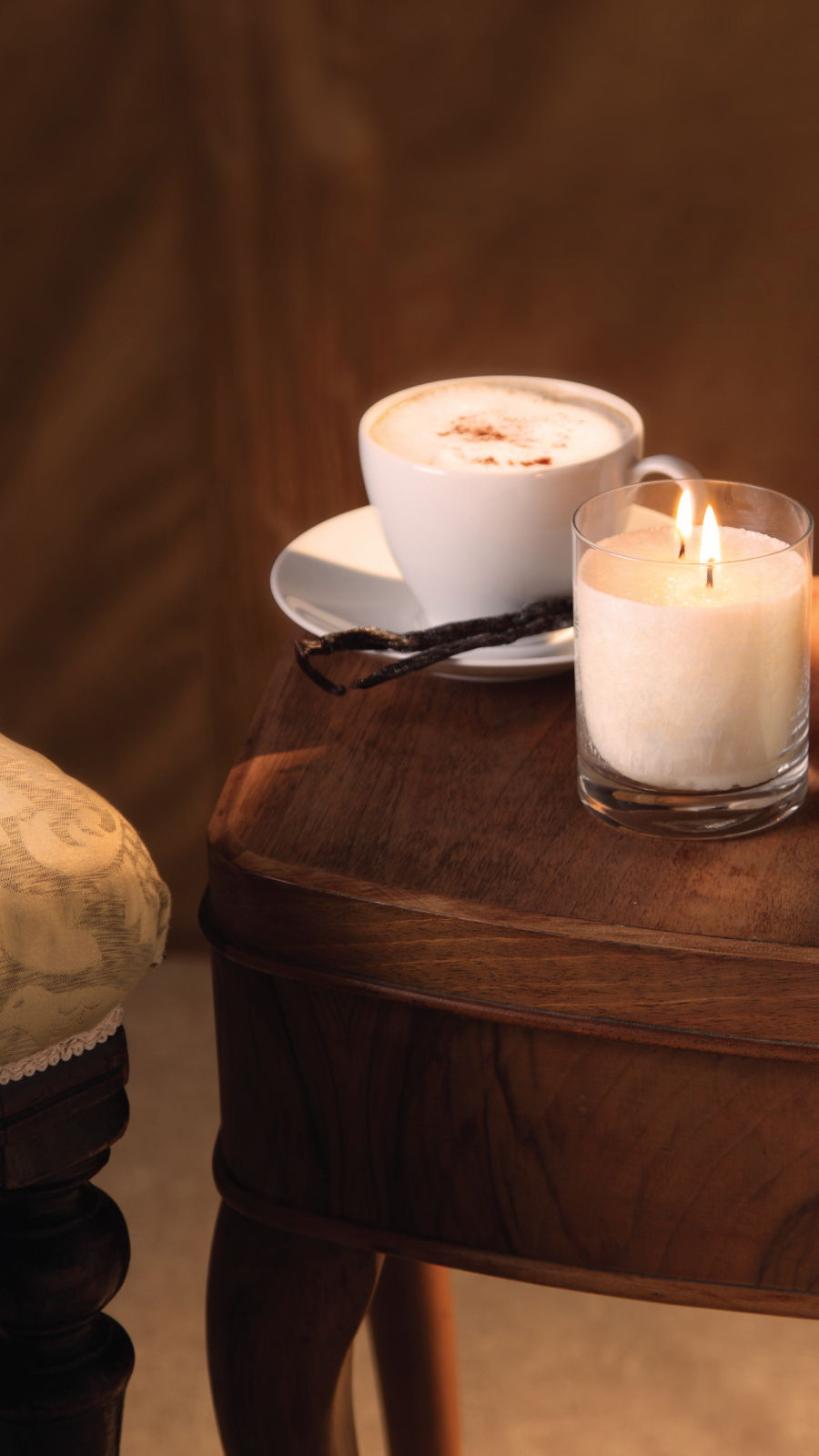 Snow Crystal Candle Large Chair Coffee Table Cognac Vanilla 9 16