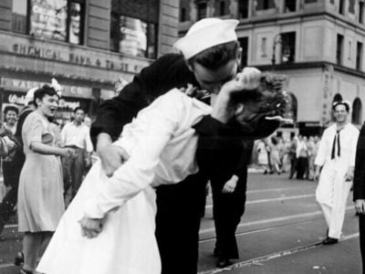 The Kiss Between A Soldier And A Nurse Celebrating The End Of World War Ii